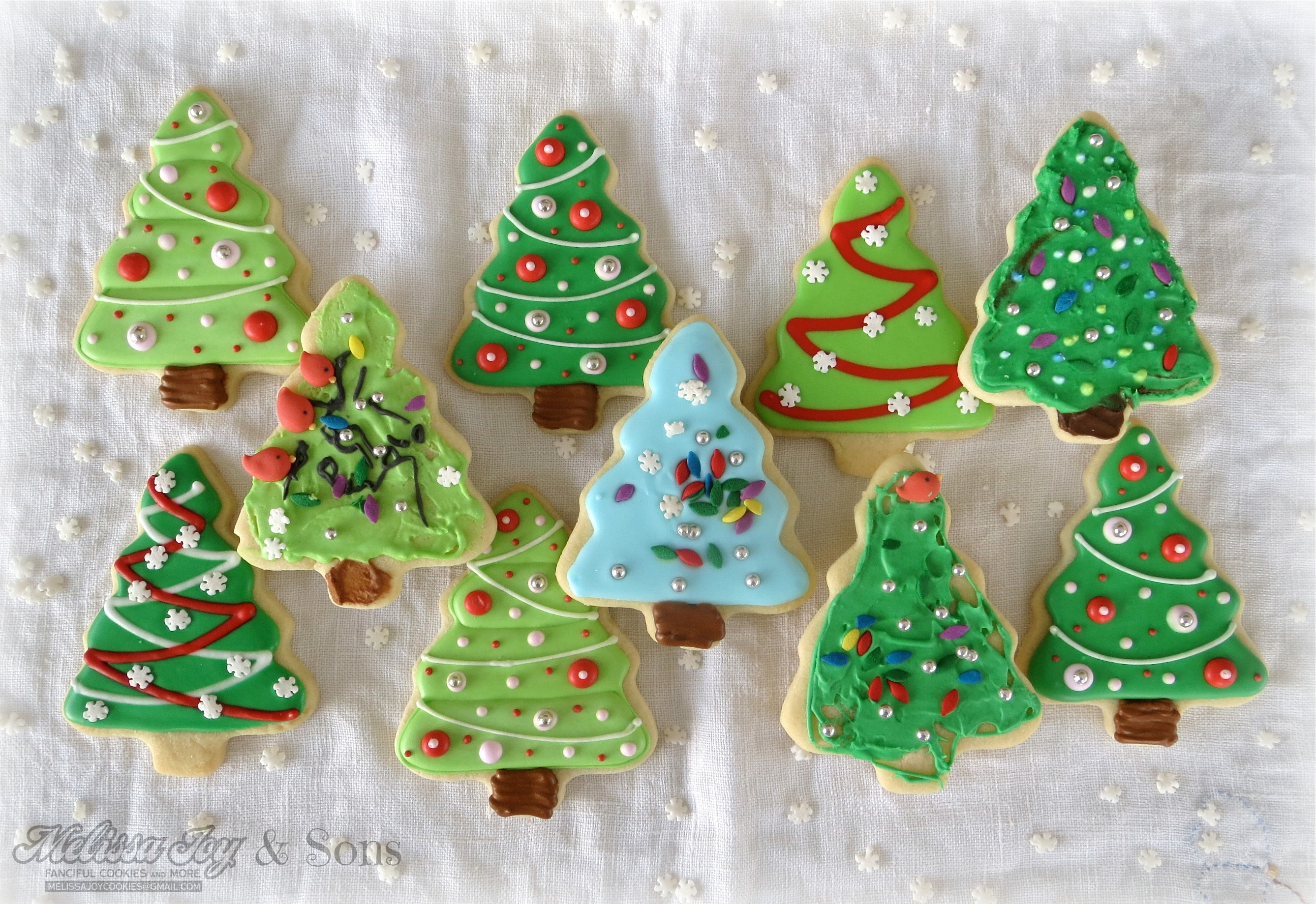 Christmas Tree Decorating Biscuits