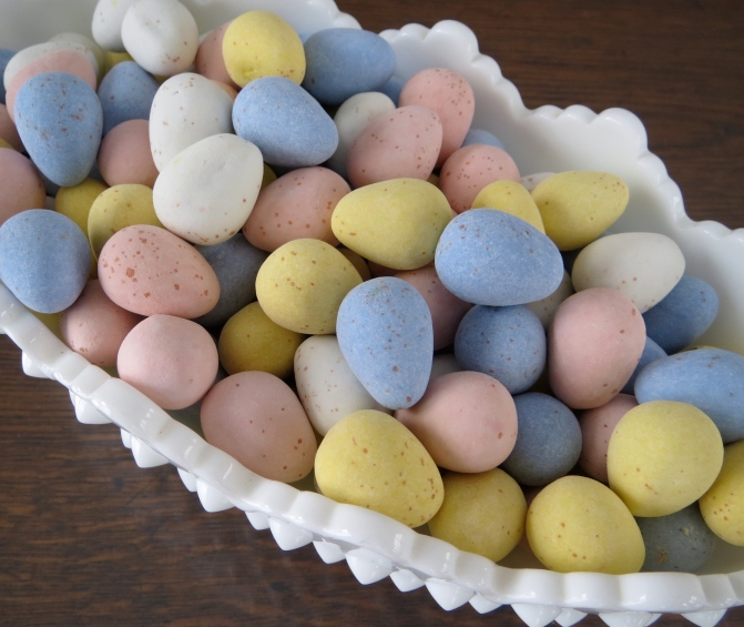 Spring bird nest cookie how to with Cadbury Mini Eggs by Melissa Joy