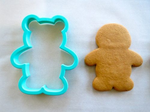 gingerbread man cutter = skeleton cookie