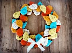 autumn-leaf-wreath