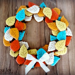 autumn-leaf-wreath