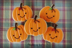pumpkins-wcandy-leaf